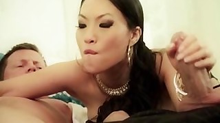 babe big-cock oriental sucking threesome